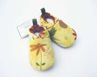 SALE XS Classic Summer Flowers / All Fabric Soft Sole Shoes / Ready to Ship / Baby Booties