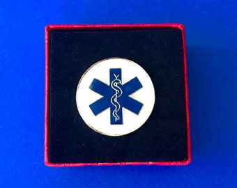 EMT Pin First Responder lapel pin (New)
