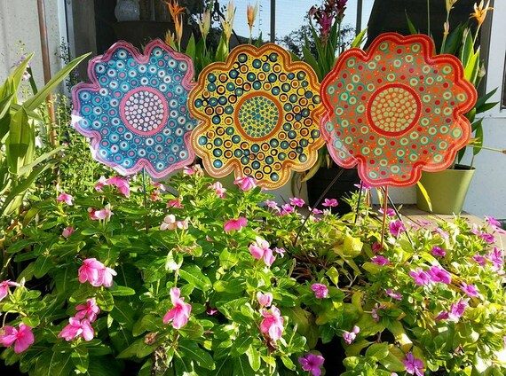 Metal flower garden stake large garden decor gift for her for Decoration jardin metal