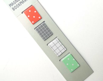 Set of 4 colorful magnetic bookmarks