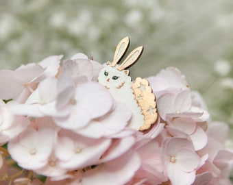 Brooch : To the Moon & Back (White + Rose Gold)
