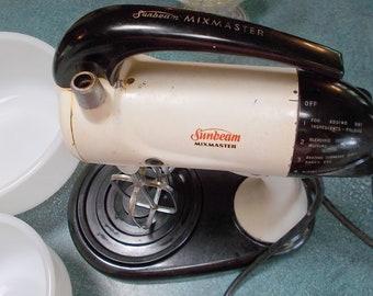 Sunbeam Mixmaster Mixer Model 10A1 Circa 1955