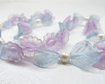 SALE! Vintage 1950's Feminine Purple Blue and Pearl Flowers Lucite Necklace Gold Clasp