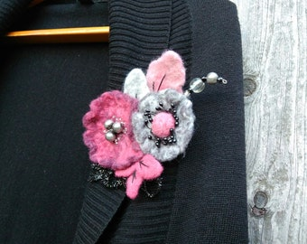 Large flower brooch Two flowers and leaves Gray and Dark Pink flower pin Large Floral jewelry Gray Pink felted flower brooch Wool flower pin