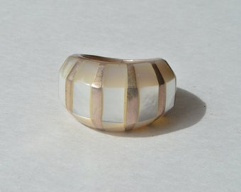 Vintage Modernist Sterling Silver 925 Mother of Pearl Inlay Dome Ring Size 7.5