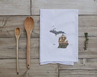 Michigan Home Tea Towel | Vintage License Plate Art | Michigan State Outline Art | Kitchen Decor