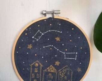 Costellazioni a telaio con stampa/ printed embroidery constellation/ zodiaco ricamato con timbro/ zodiac embroidery and print hoop