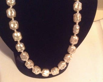 """White chunky faux Pearl necklace single strand 22"""" NOS"""