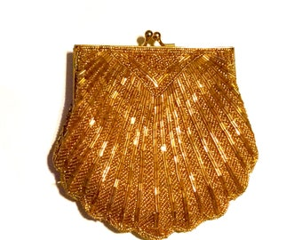 Vintage scalloped shell sequin purse