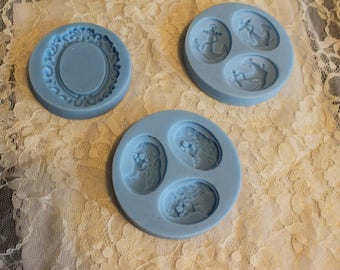 Set of silicone cabochon molds