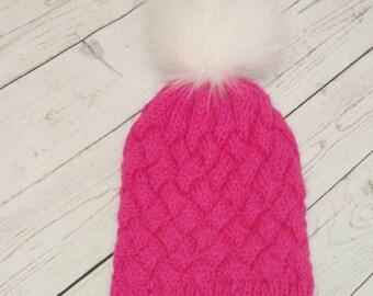 Crocheted cap from fur merino