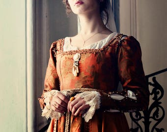 Renaissance gown Italian fashion. Late 15th century women's dress in Lucrezia Borgia style.!!!ONLY TO ORDER!!! Different colors
