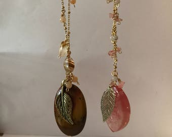 Stone and leaf pendant necklace
