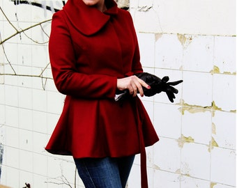 women short wrap coat, big collar coat, womens coat, bordeaux coat, short coat, wool coat, wrap coat, minimalist coat, deep red coat