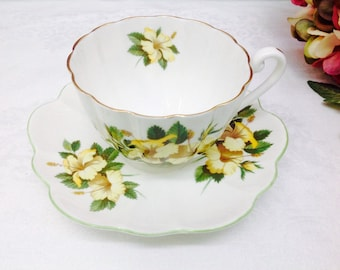 Shelley Hibiscus Teacup and saucer