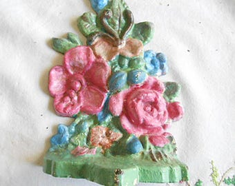 """Cast IRON DOORSTOP Vibrant Pink Blue FMN Flowers Green Leaves & Base, Vintage Hubley Style Art Deco Door Stop 4"""" x 6"""" Country Decor Usa 1930"""