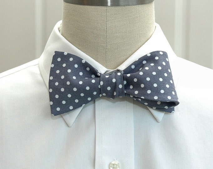 Men's Bow Tie, grey with white polka dots bow tie, steel gray bow tie, wedding bow tie, groom bow tie, groomsmen gift, classic gray bow tie