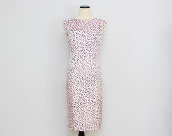 Pink Hourglass Wiggle Dress - Size Small 60s Feather Print Dress - Vintage 1960s Novelty Print Sleeveless Dress