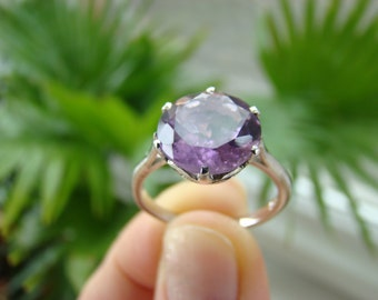 Vintage silver Ring with large Amethyst.