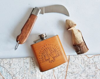 Camping Hip Flask, hiking gift outdoor hip flask custom boyfriend gift personalised leather flask scout personal fathers day gift walkers