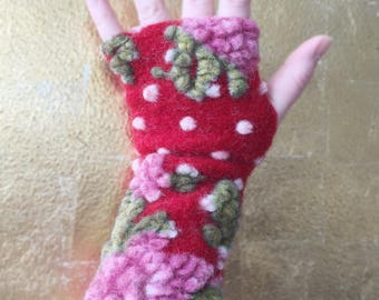 Lovely Red Arm Warmers with Roses and Dots, Fingerless Gloves,  Wrist Warmers, Wool Fingerless Mittens, Wool Fingerless Gloves, Gauntlets