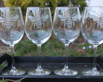 Bumble Bee Custom Etched Glasses-Choice of Style- Choice of Quantity-Hostess Gift, Gardener, Florist, Bee Keeper