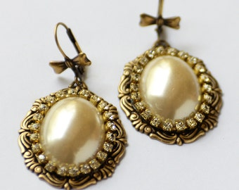 Pearl Earrings with Rhinestones, Classic Jewelry Gift for Her, Pearl and Crystal Earrings with Bows, Victorian Inspired Romantic Earrings