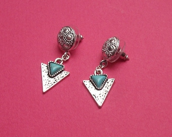 SOUNDTRACK  Silver and turquoise chips
