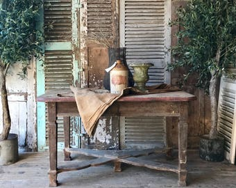 Very rustic, vintage table
