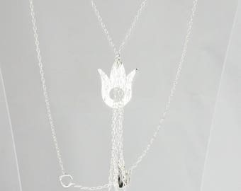 silver Y necklace with tulips