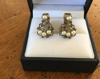 Fancy Vintage Pearl Clip-On Earrings