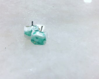 Kitten silhouette earrings. Turquoise and white.