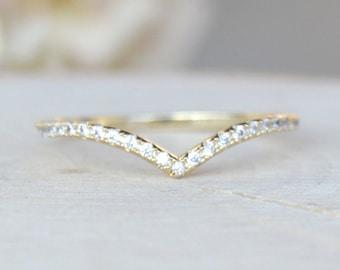 Thin 1.3mm V Chevron Ring - Gold