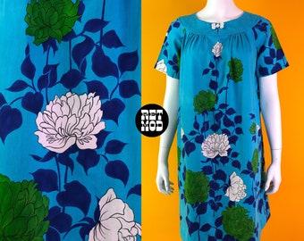 Lovely Vintage 70s Turquoise Blue, White & Green Giant Flower Pattern Hawaiian Muumuu Dress - Comfy!