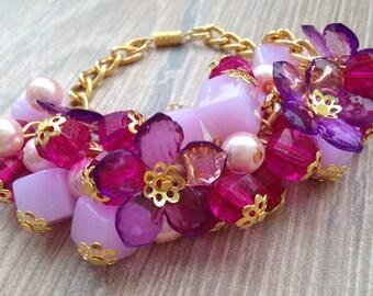 Pink beads flowers bracelet/ Hot Pink Flower Bracelet/ Chain bracelet/ Cha Cha Style Bracelet/ Beaded charm bracelet/ Flower Jewellery