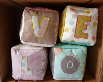Pretty fabric cubes to decorate baby's room