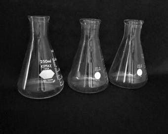 Vintage Set of Three Clear Glass Beakers ~ 1960's