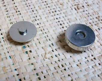 Set of 5 20 mm magnetic closures