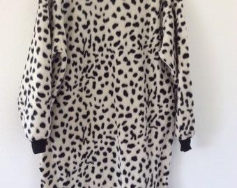 Child's fleece lounge wear size 10-12