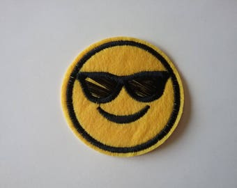 Fusing 6,3 cm yellow smiley face patch
