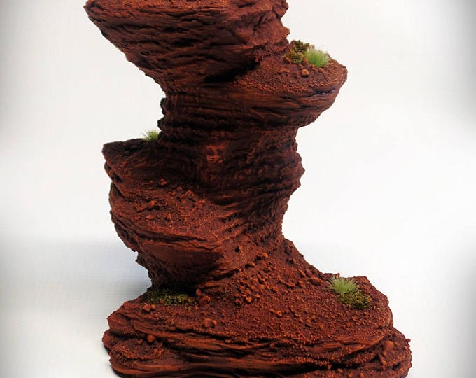 Wargame Terrain - Single Spire C – UNPAINTED kit - Miniature Wargaming & RPG rock formation terrain