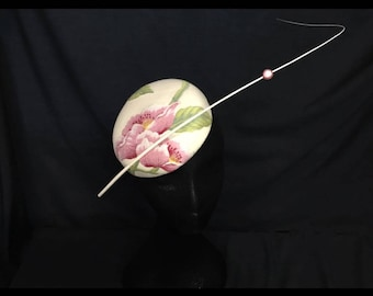 Dramatic floral large button fascinator