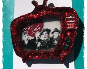 I Love Lucy Retro Inspired Sparkly Red TV set Pinup Brooch Rockabilly