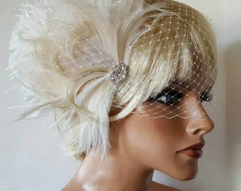 Wedding Fascinator, Feather Hair Clip, Ivory Fascinator, Bridal Hair Fascinator, Wedding Hair Comb, Bridal Veil, Bridal Hair Comb, Hair Clip