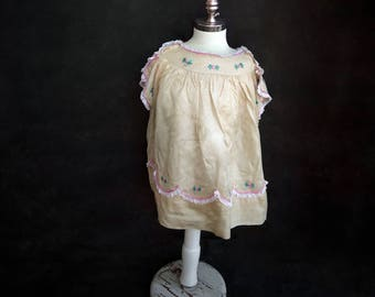 Vintage Baby dress 1920s Cream Embroidered Dress size 2-4