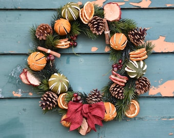 Christmas wreath, traditional wreath, front door wreath, dried fruit wreath, artificial wreath, christmas decoration, home decor,