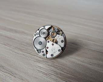 Steampunk tie tack - round watch movement