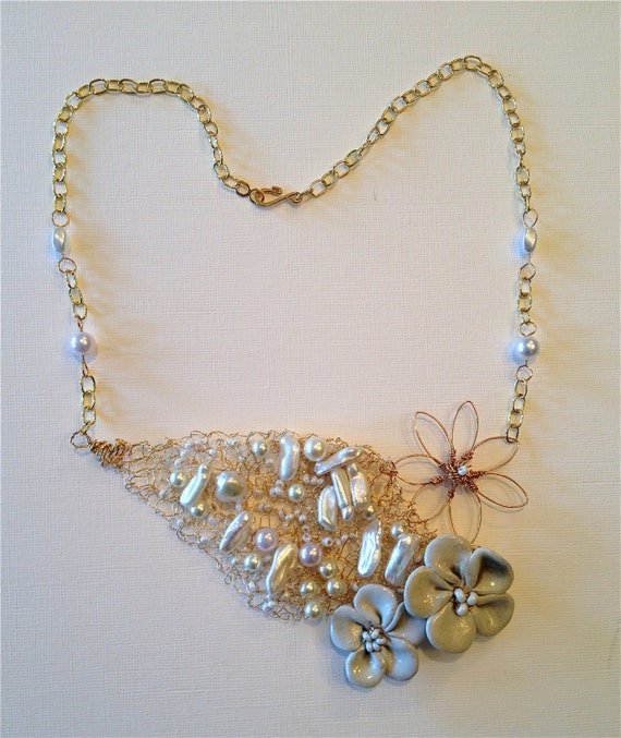SJC10259 - Spring in Bloom - Handmade pearl beads, polymer clay and metal flowers wire crochet necklace