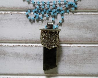 """Large Raw Labradorite & Silver Pendant Necklace 