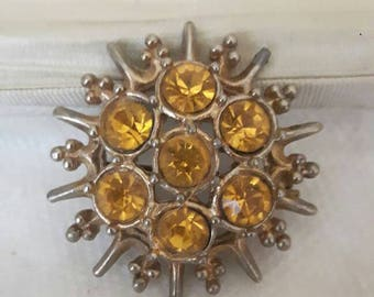 Pretty little vintage citrine brooch